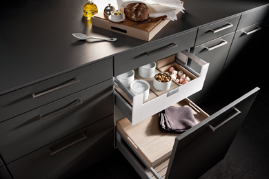 SieMatic | Interior Accessories | Wood & Porcelain Furnishings